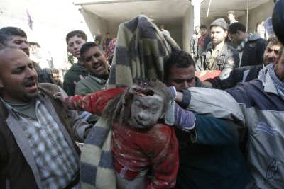 014-child-gaza-city-attack-january-6-20084